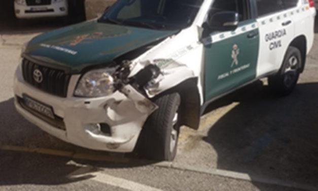 Denuncian una nueva embestida a un coche de la Guardia Civil